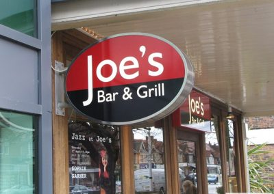 Joes Bar & Grill